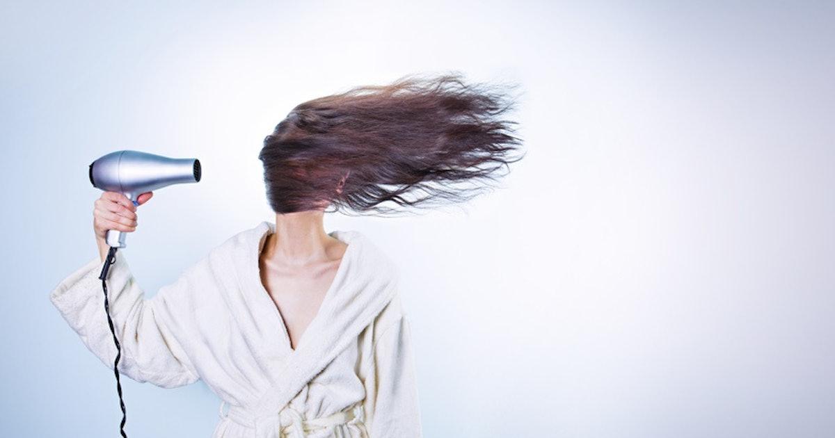 Tips Supaya Rambut Tidak Rusak Meski Catok Setiap Hari