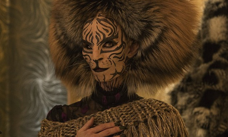 Who Is Tigris In Mockingjay The Movie Takes Being A Cat Lady To