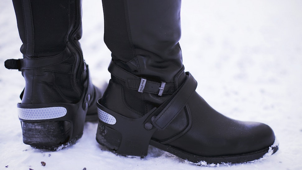 013f00cf32e49 How To Make Boots Snowproof Is The Easiest DIY Ever