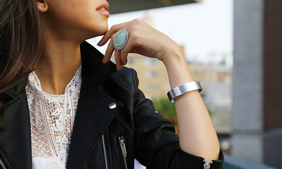 This Phone Charging Bracelet From Q Designs Is Actually Really Cute And Awesome