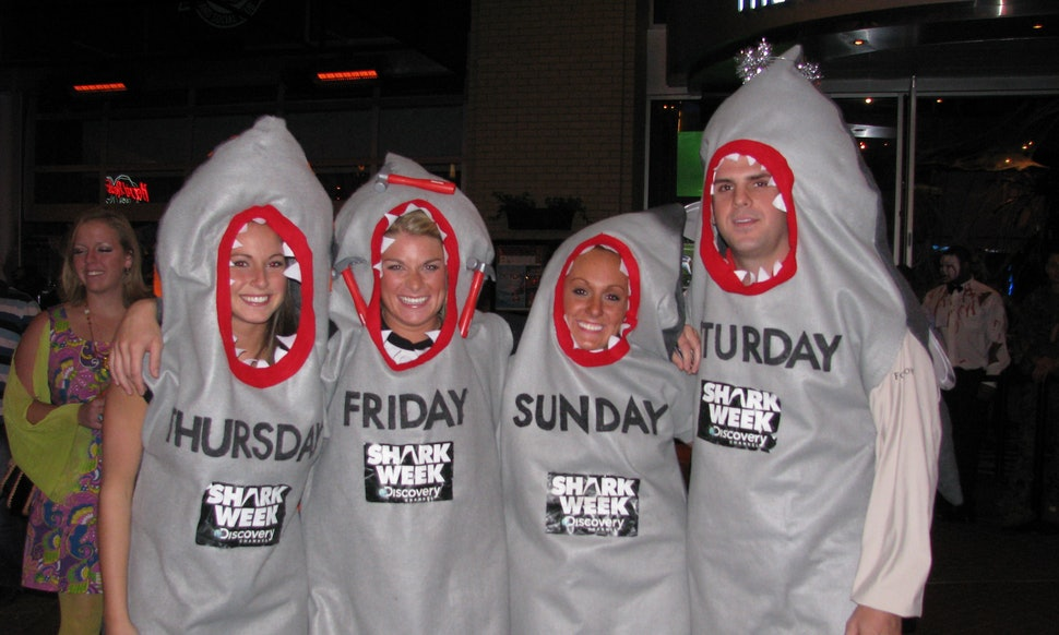 20 funny group halloween costumes that will make your wittiest squad goals a reality