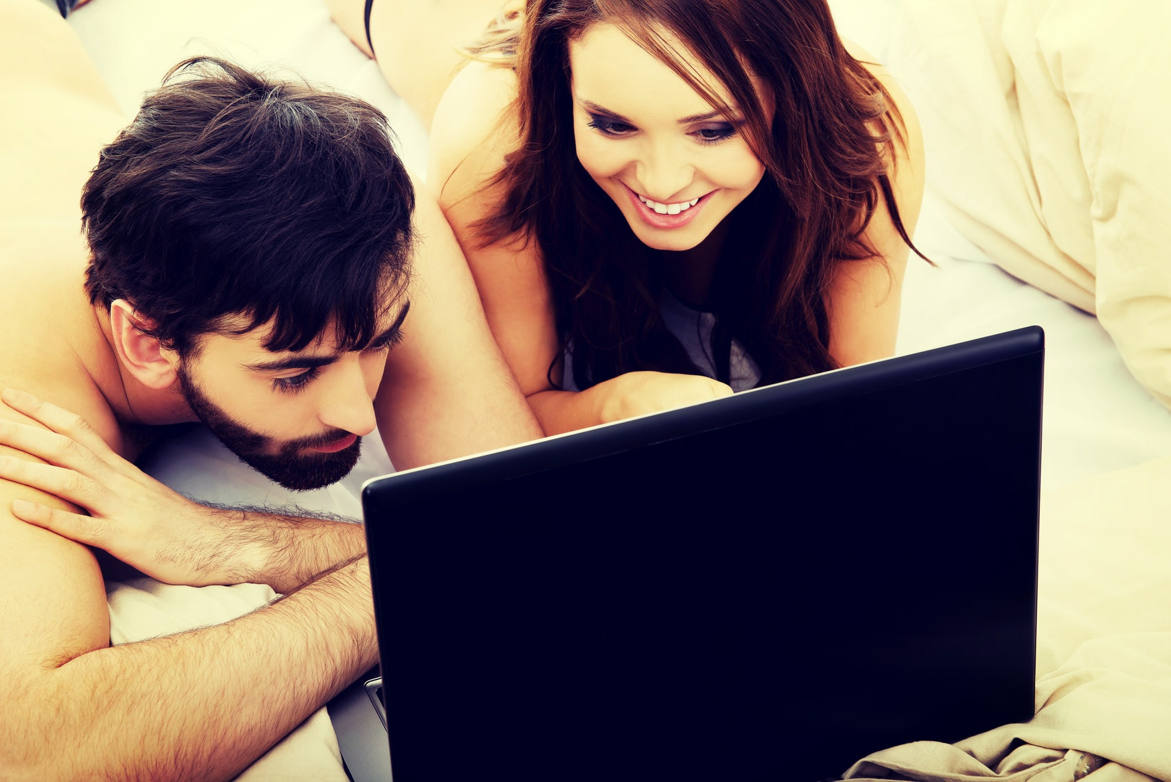 Adult cyber chat rooms