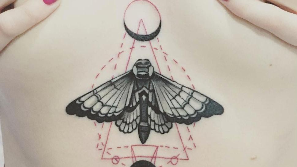 f36e4c7dd 11 Stunning Sternum Tattoos That'll Inspire & Mesmerize You — PHOTOS
