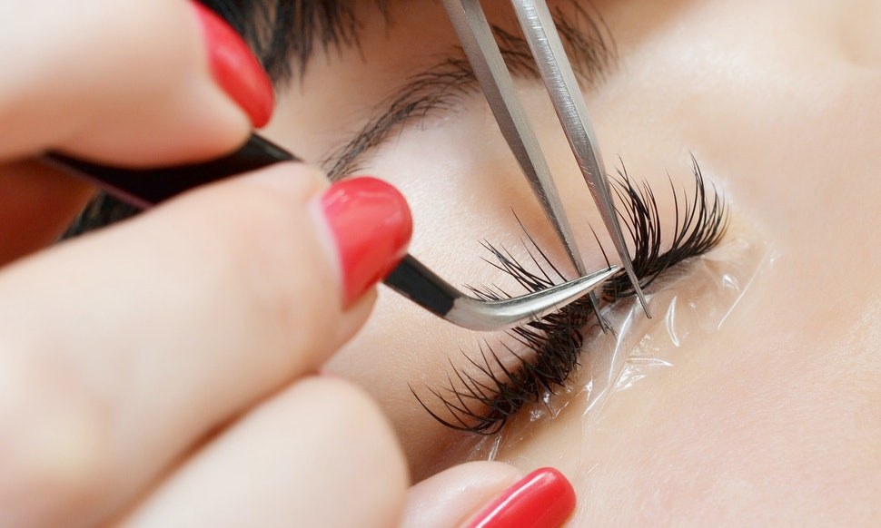 Can You Be Allergic To Eyelash Extensions Heres What You Need To Know