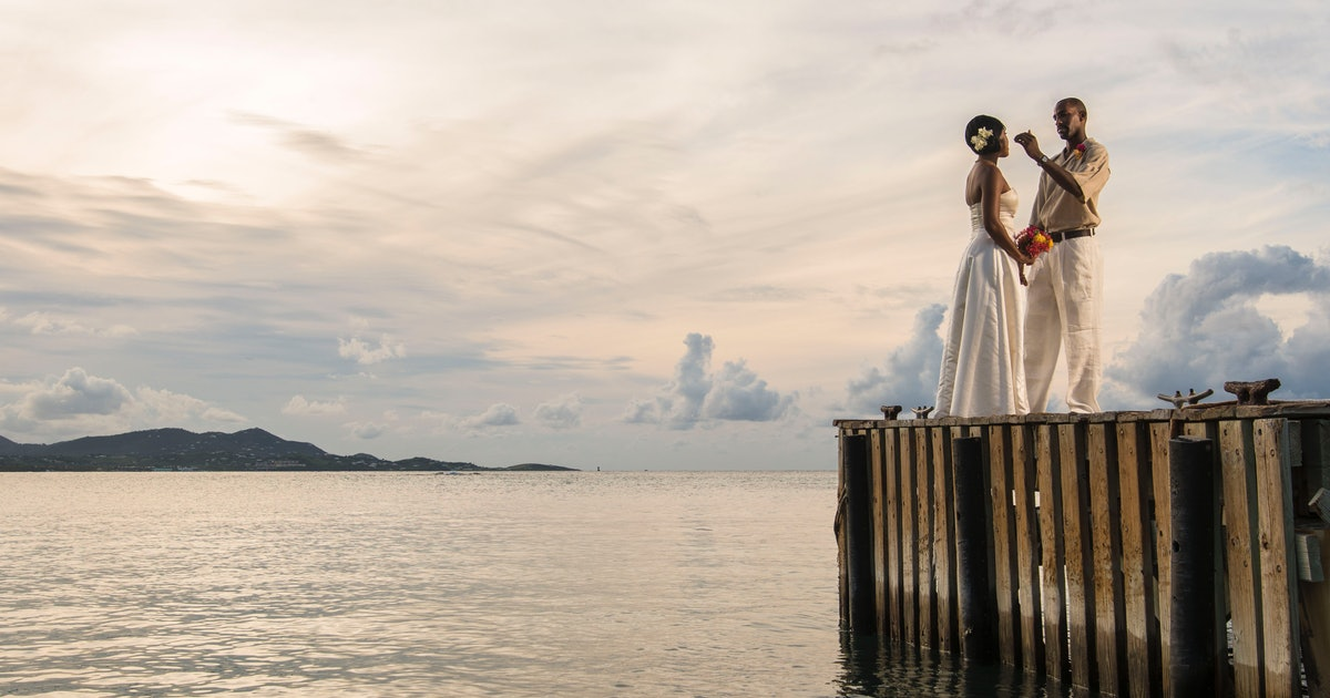 7 Reasons A Beach Wedding Could Be Right For You