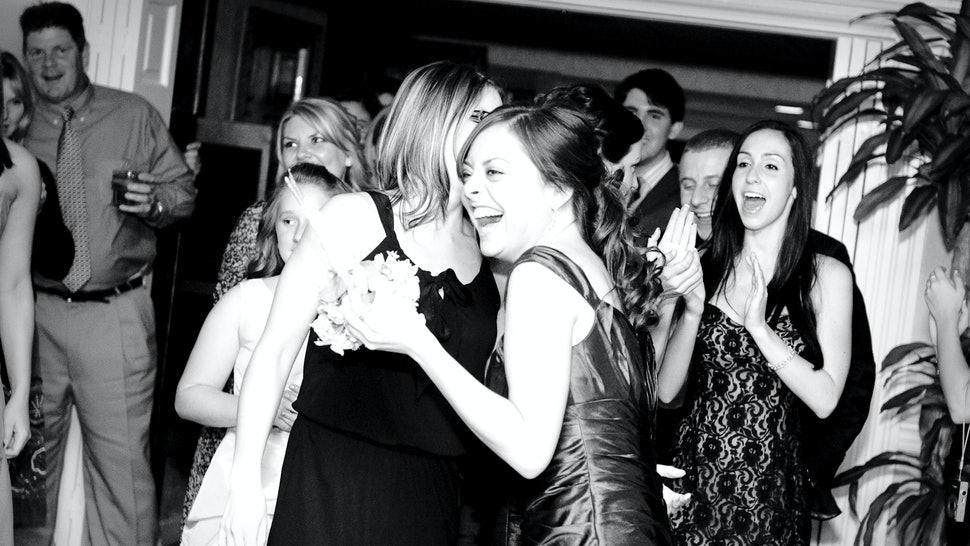 8 maid of honor speech ideas that are sweet funny and will leave guests wanting more