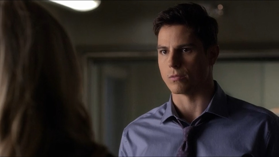 Who plays detective holbrook on pretty little liars
