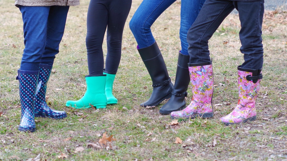 d56b12294c746 The 10 Most Comfortable Rain Boots for Spring (Yes, They Really Do Exist)