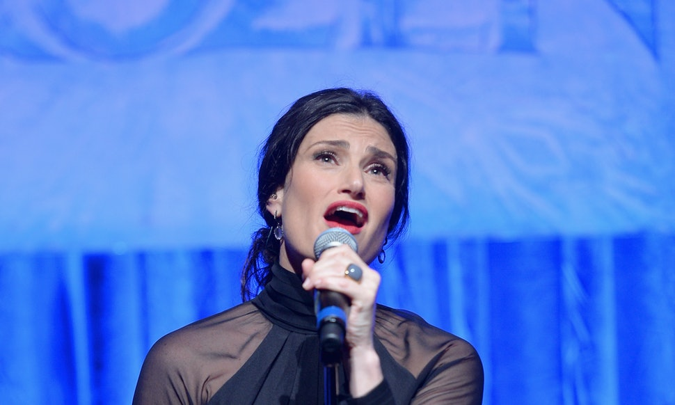 who is idina menzel the let it go singer has a resume that will