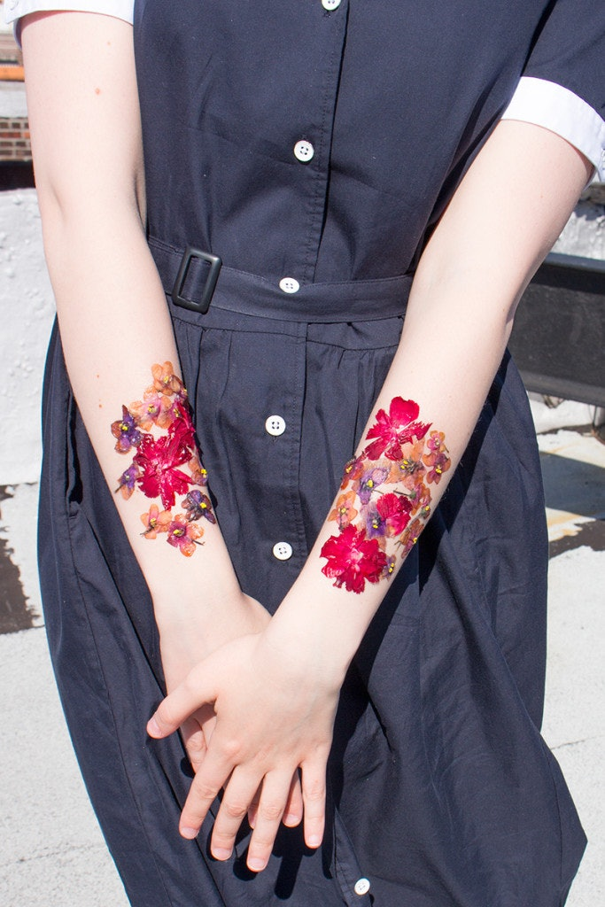How To Make Temporary Tattoos Out Of Dried Flowers Because Metallic