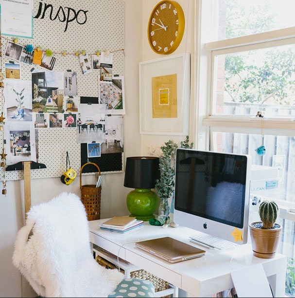 How To Organize Your Desk So That Your Workspace No Longer Resembles A  Disaster Zone