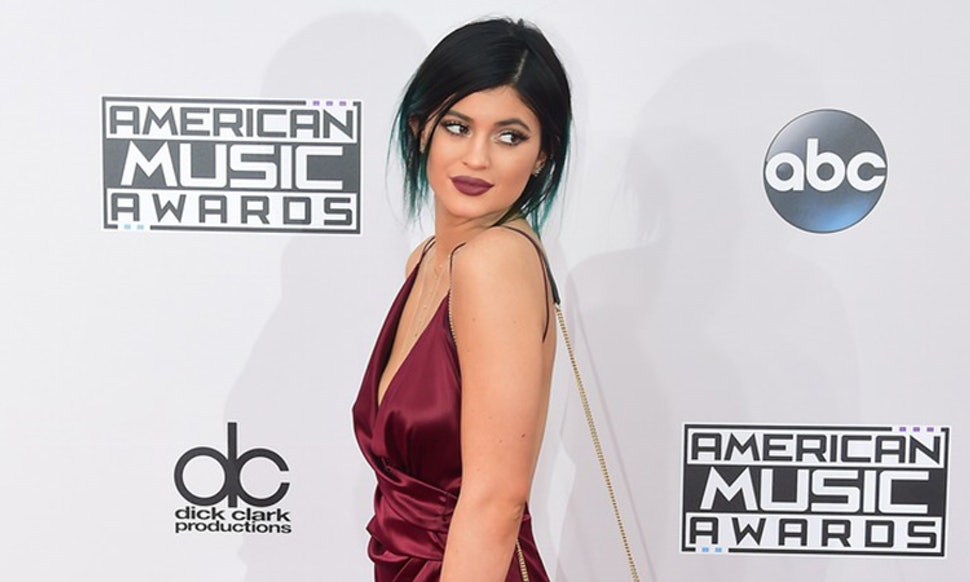 11 Prom Dresses Kylie Jenner Should Wear If She Decides To Show Up ...