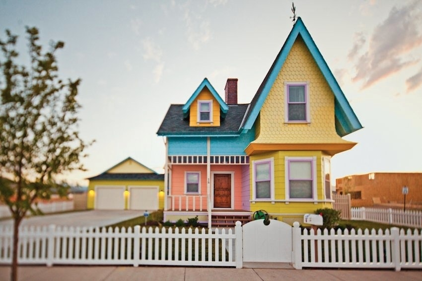 the real life up house and 5 other cartoon homes we d love to live in rh bustle com cartoon homework cartoon houses in a row