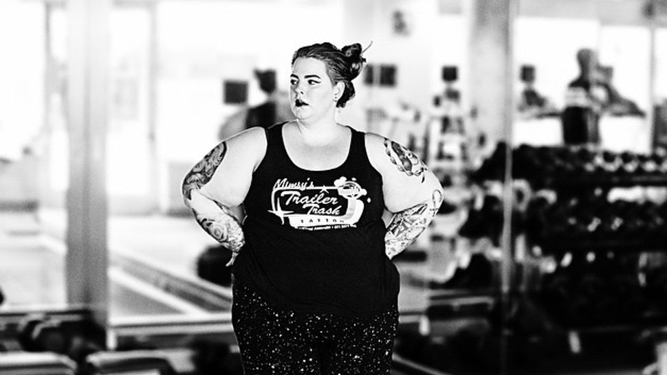 8137c534ade79 15 Thoughts Plus Size Women Have At The Gym Because Working Out Takes Some  Working Things Out