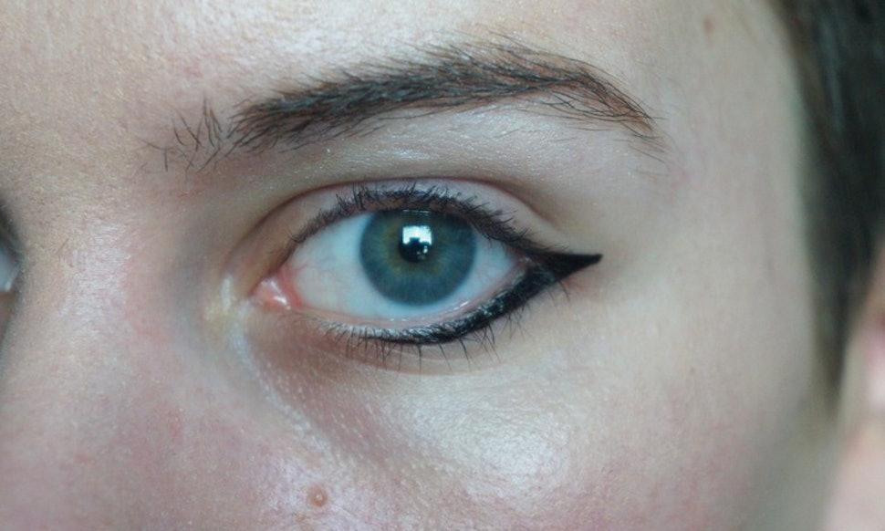 10 Genius Eyeliner Hacks For Lazy Broke Or Clumsy Girls