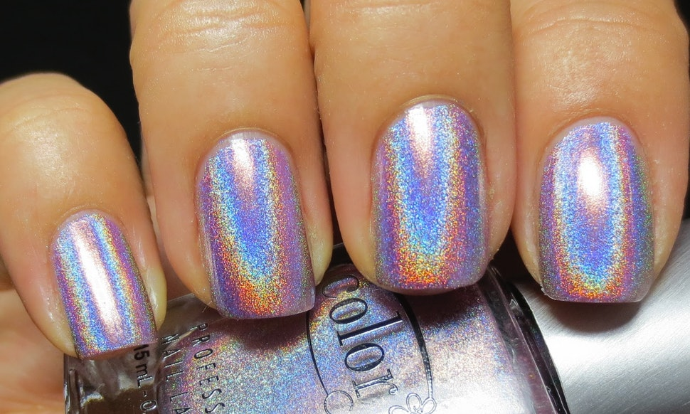9 Special Effects Nail Polishes That Don\'t Require Artistic Ability