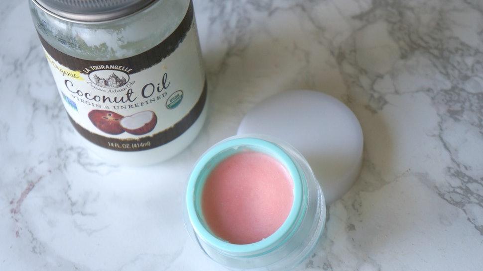 A DIY Coconut Oil Lip Balm That