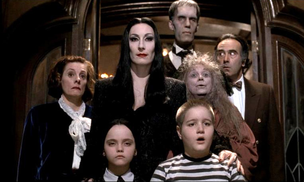 how to watch the addams family this halloween so youre not snapping all by yourself