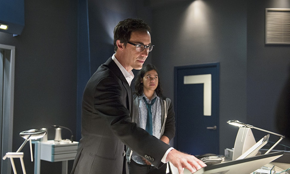 Is Harrison Wells Reverse Flash The Scientists Secret Agenda May Be More Sinister Than We Thought