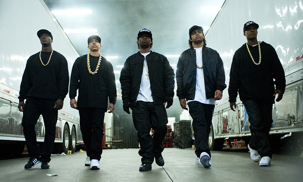8 straight outta compton memes inspired by the film that are