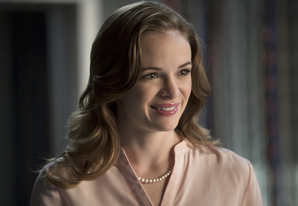 All Around Auto >> 11 Caitlin Snow Moments That Prove 'The Flash' Scientist Can Keep Up With The Fastest Man In The ...