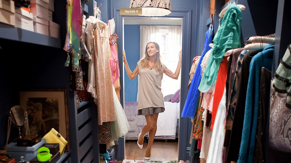 e845b565827704 The 36 Most Memorable Carrie Bradshaw Outfits On  Sex And The City  Ranked  In Order Of Fabulousness