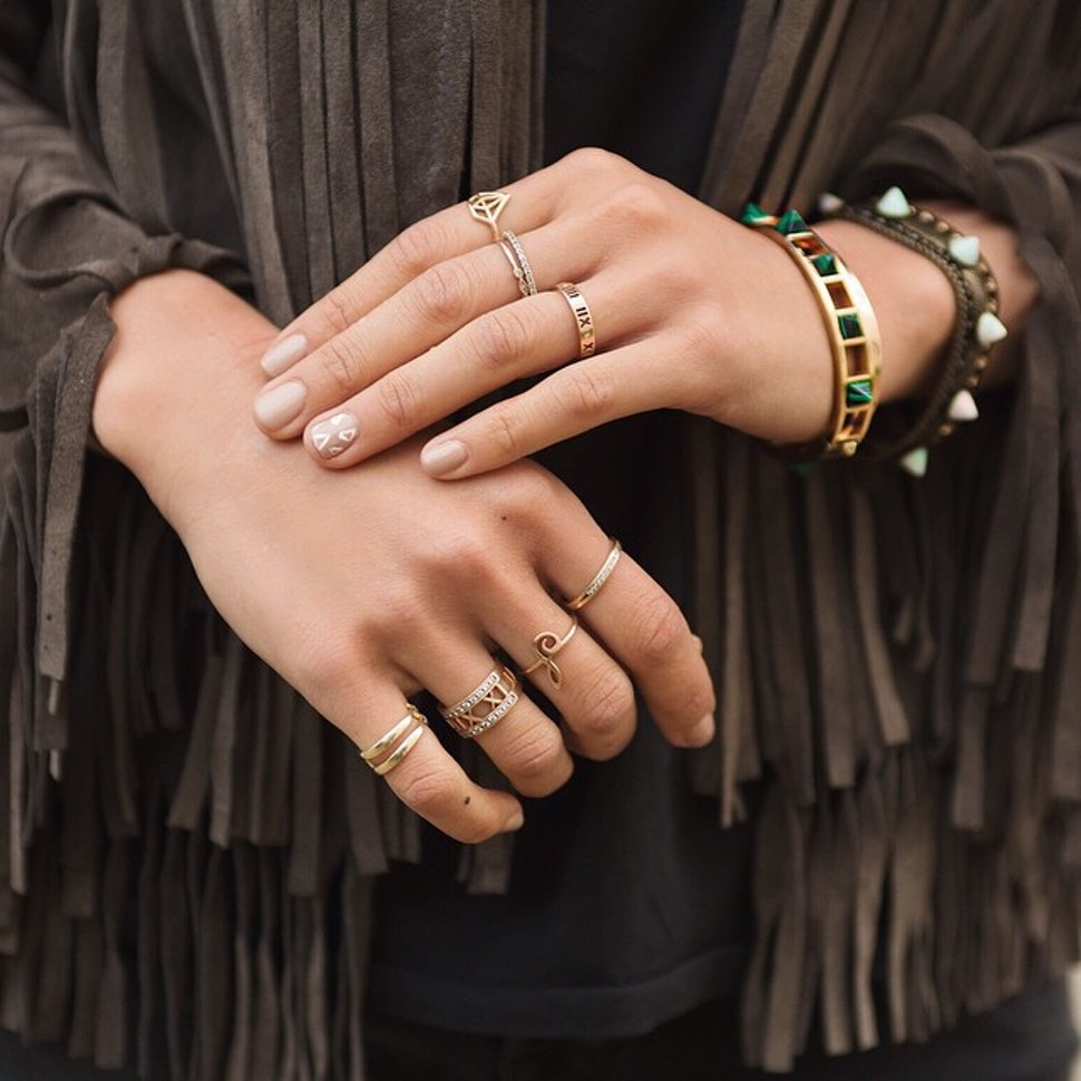 21 Photos Of Stackable Rings That'll Teach You How To Wear ...