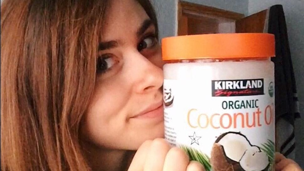 dbac47623ba Does Coconut Oil As Waterproof Makeup Remover Actually Work? — PHOTOS