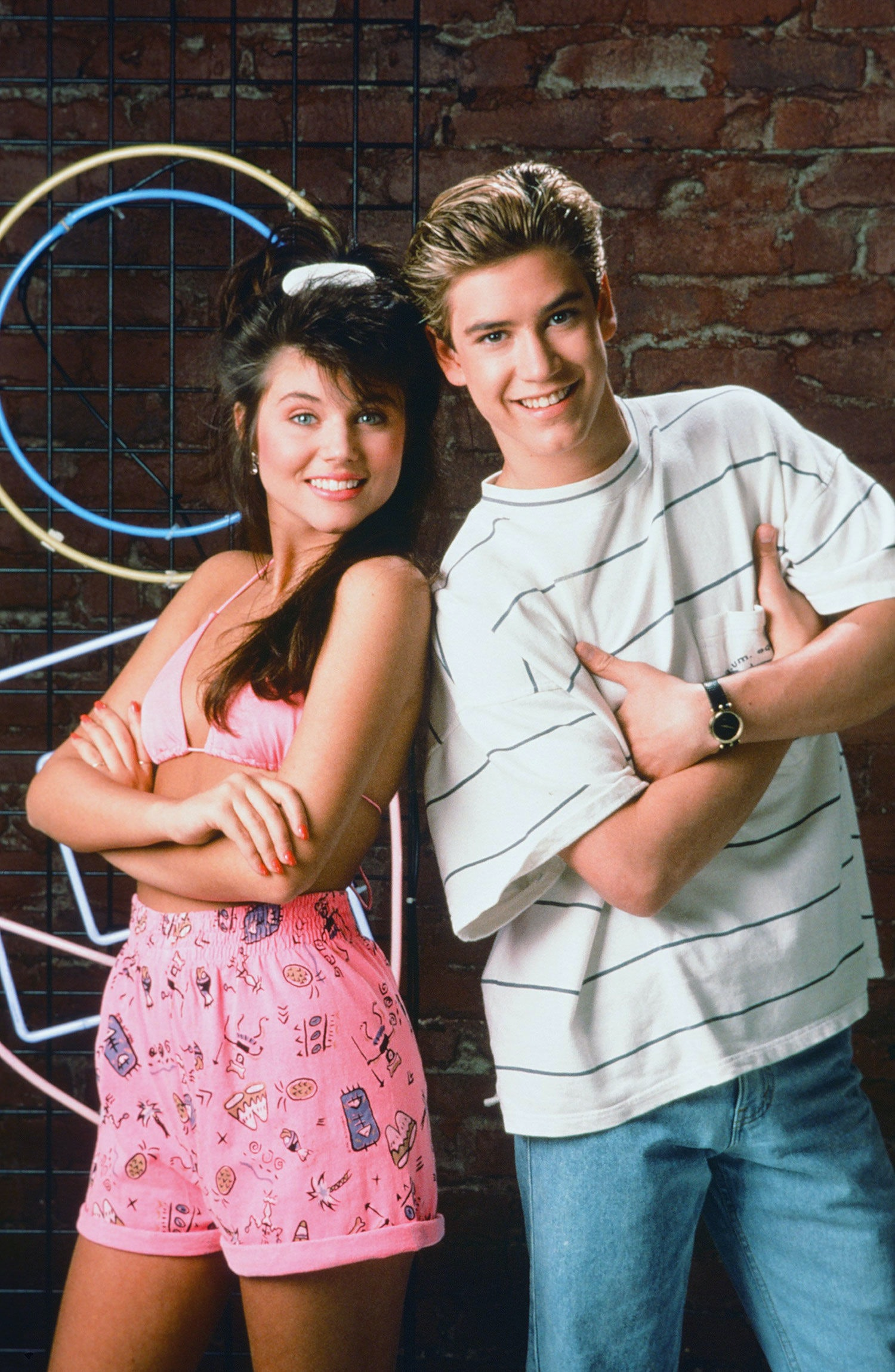 9 Kelly Kapowski Style Tips To Steal In 2015