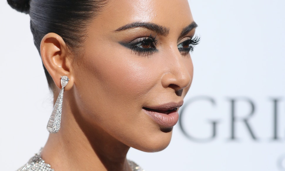 Kim Kardashian Dyed Her Cannes Dress Using Something You Can Find In ...
