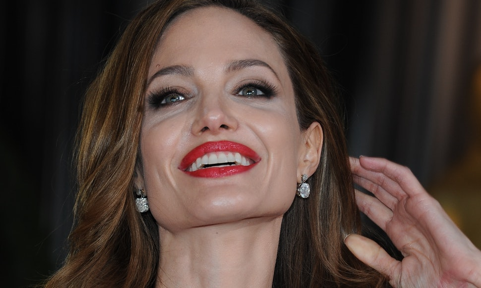 Angelina Jolie S Best Oscars Outfits Include High Leg All Glitter Everything Photos