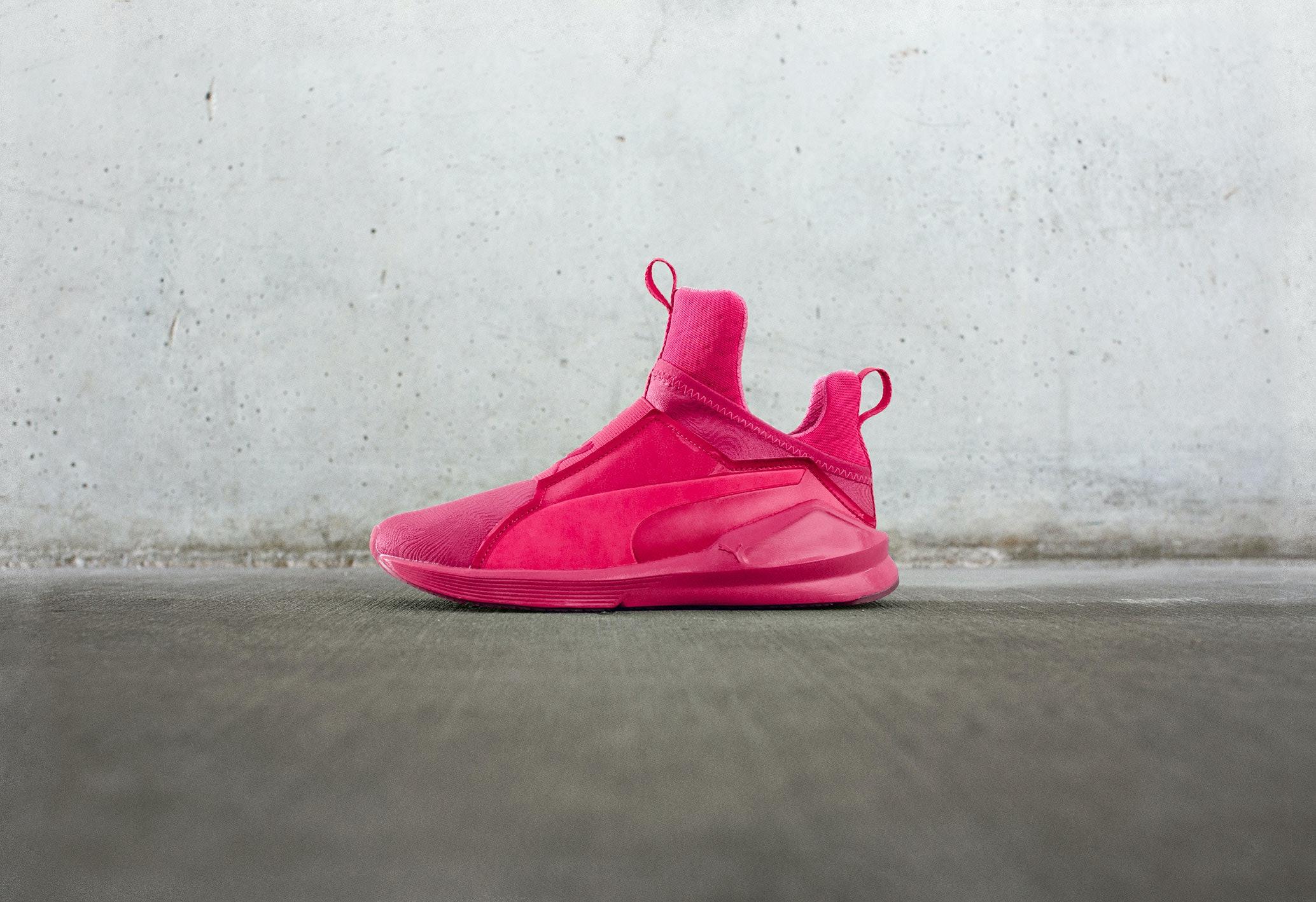 bright pink pumas - 63% OFF