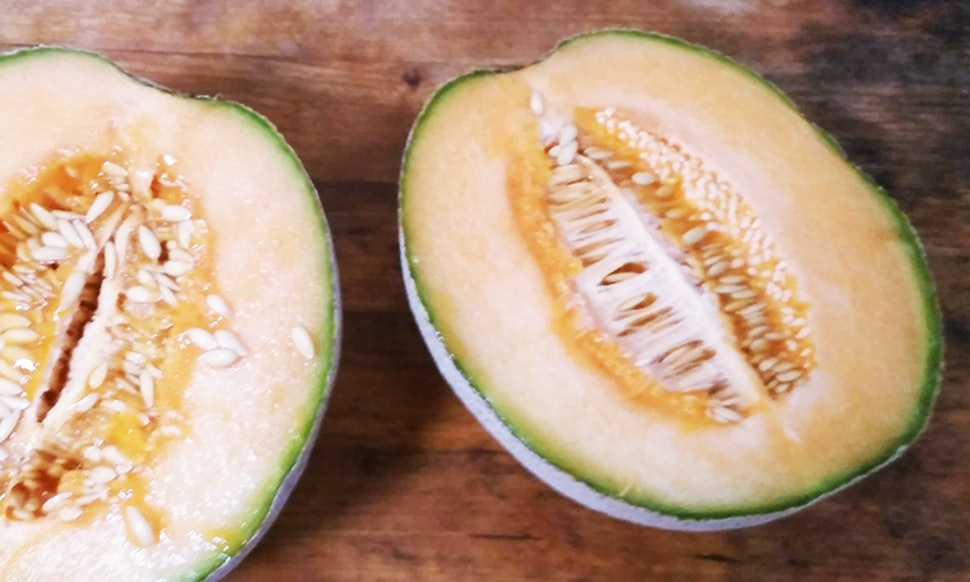 4 ways to use cantaloupe for healthy skin hair recipes photos forumfinder Choice Image