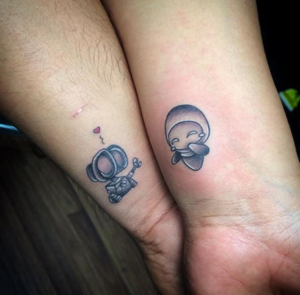 11 Micro Couples Tattoos That Prove That Sometimes It