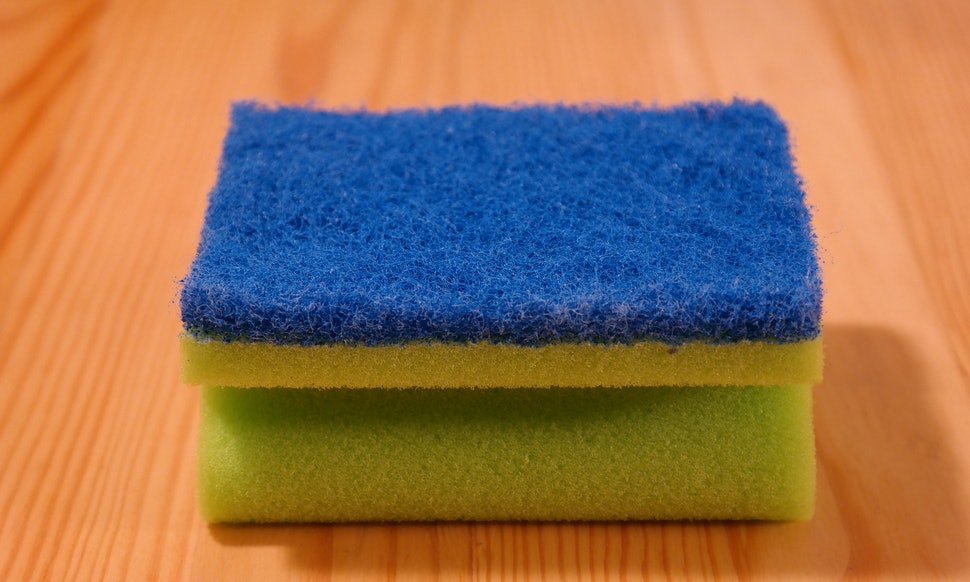 How To Clean Your Kitchen Sponge, Because It\'s Grosser Than You ...