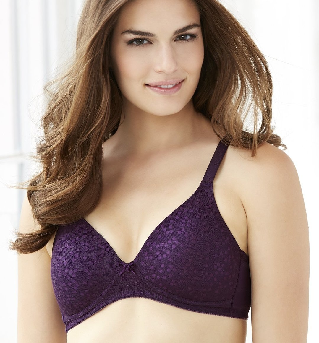 12 best bras for plus size women with small boobs — photos