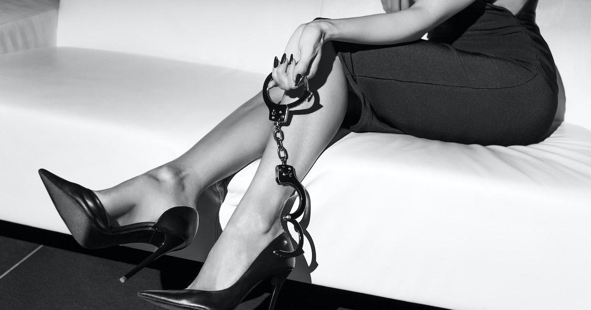 Смотреть онлайн садо мазо над рабами, Садо Мазо - женское доминирование русские Mom 20 фотография