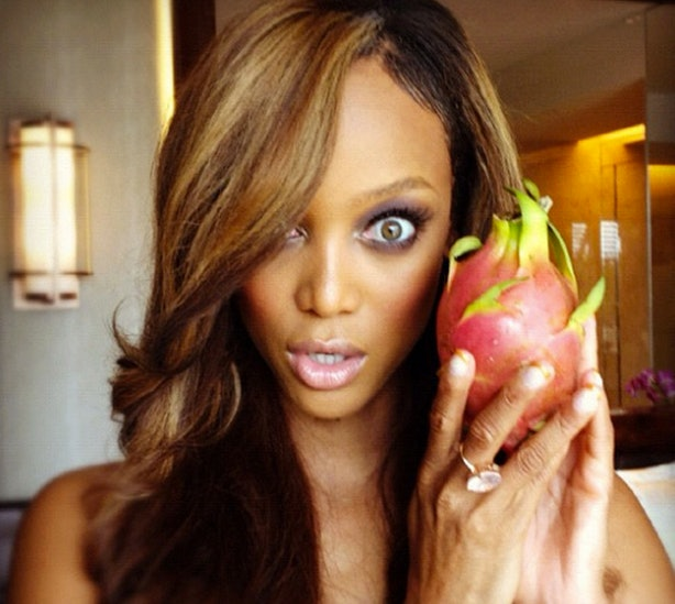 Tyra Banks Teenager: 15 Celebrities Who Are Addicted To Selfies On Instagram