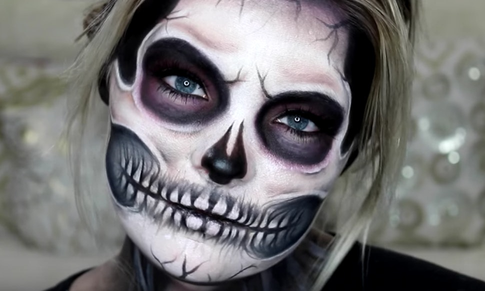 11 exposed skull halloween makeup tutorials for a deadly simple costume. Black Bedroom Furniture Sets. Home Design Ideas
