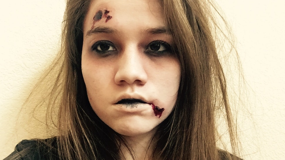 Easy Wounded Zombie Halloween Makeup You Can Do With Products You Already Own — PHOTOS