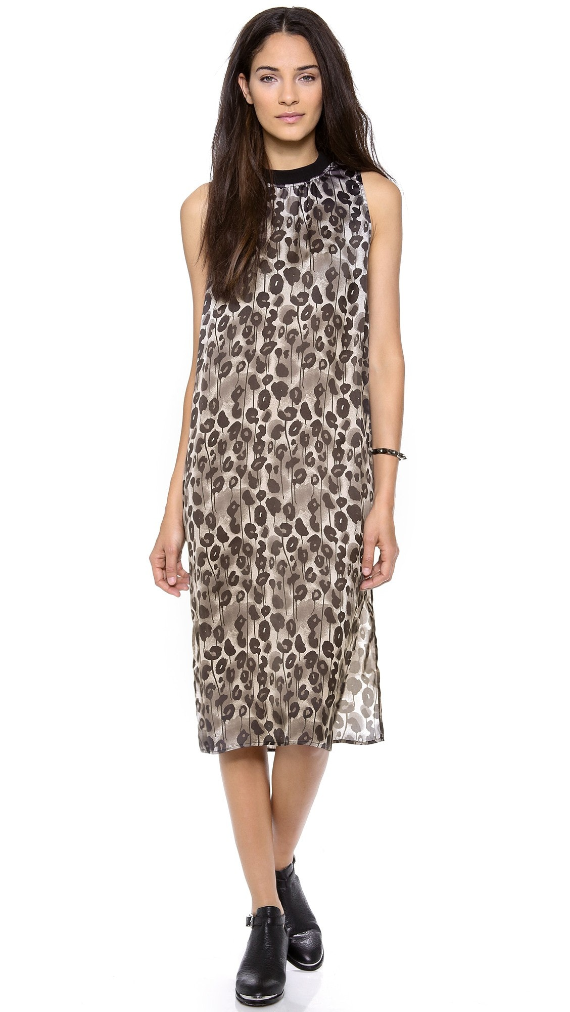 This dress has side slits that up the sexiness on an already seductive  animal print dress. Its ease of movement makes it both comfortable and  versatile.