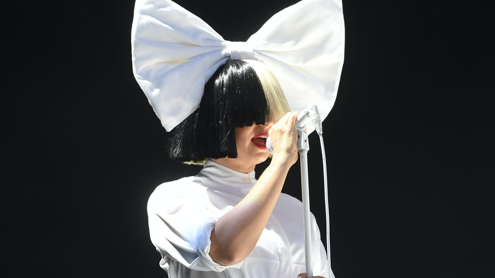 An Easy Sia Halloween Costume Idea Because You Need Little More