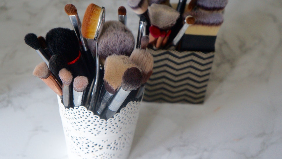 67f6e828d796c5 6 Big Mistakes You're Making While Washing Makeup Brushes