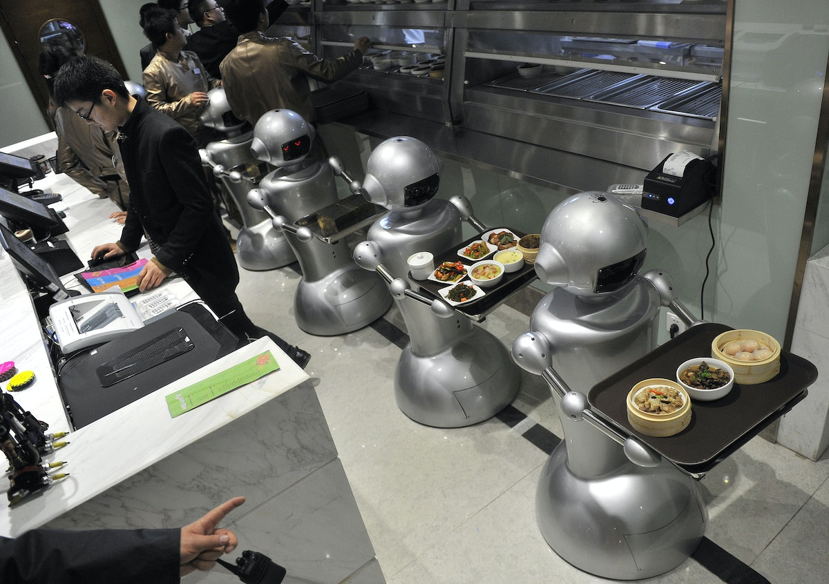 can computer replace human beings Although artificial intelligence seems unlikely to replace human beings, as stephen hawking speculated, it will likely change roles that human beings play in society this phenomenon is known the hollowing of the work force.
