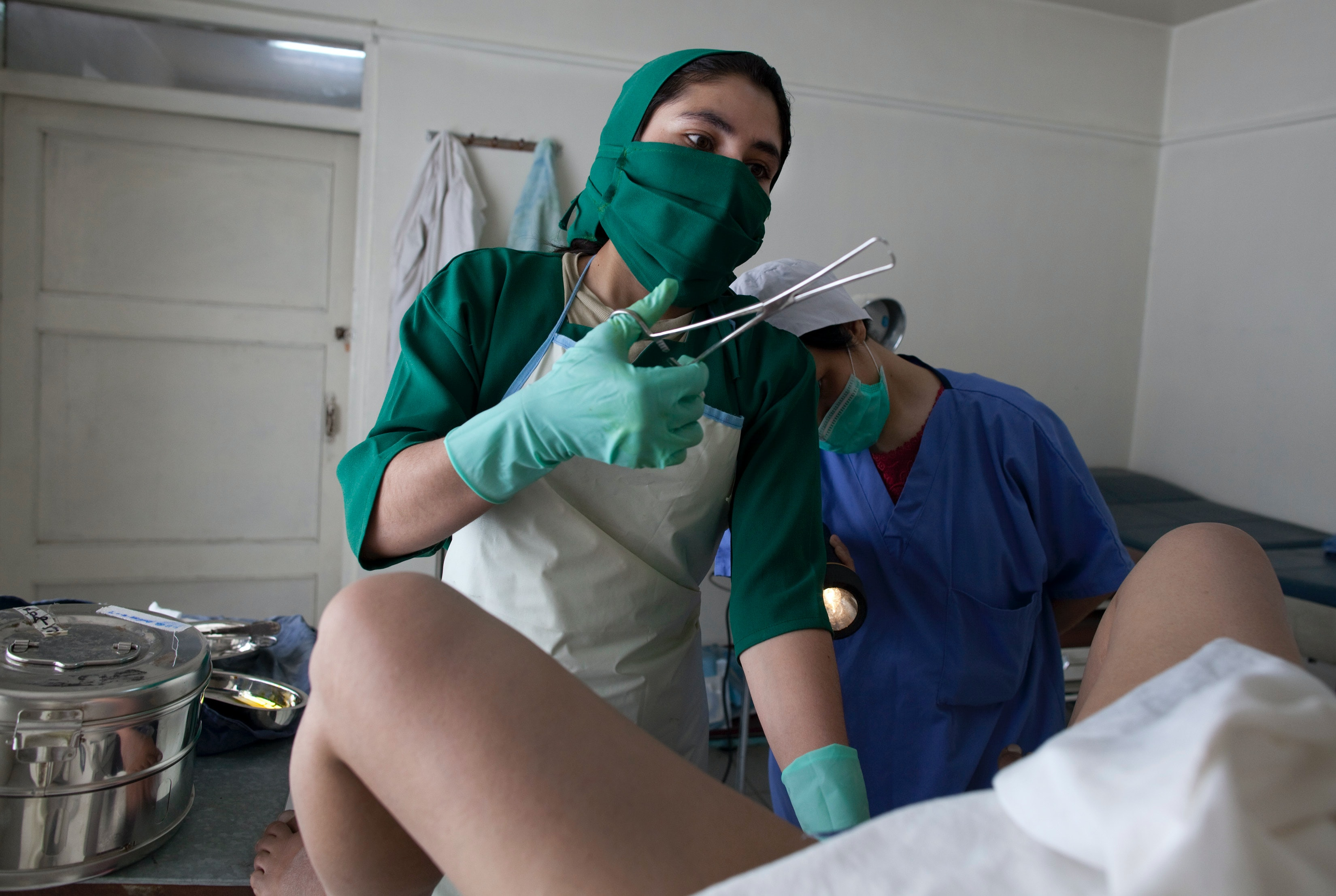 Regularly do smear at the gynecologist