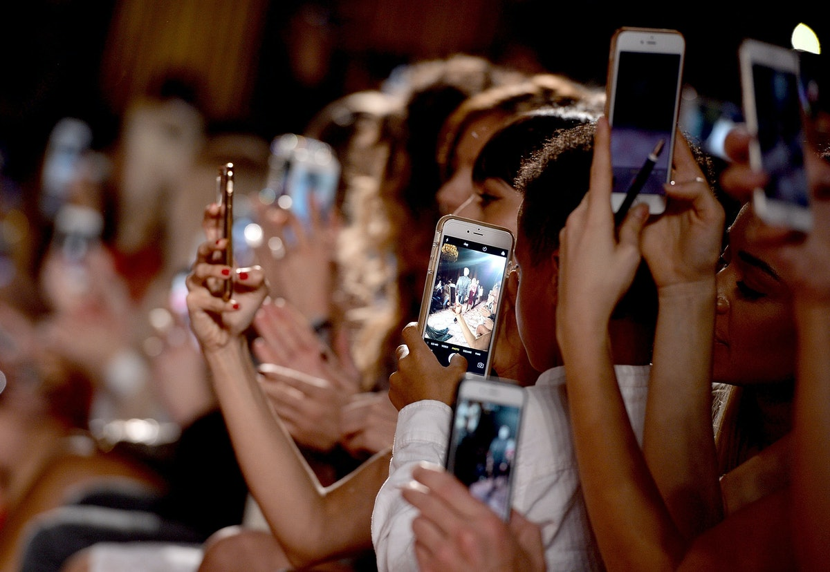 How Social Media Affects Us: Your Brain on Facebook, Twitter, and More