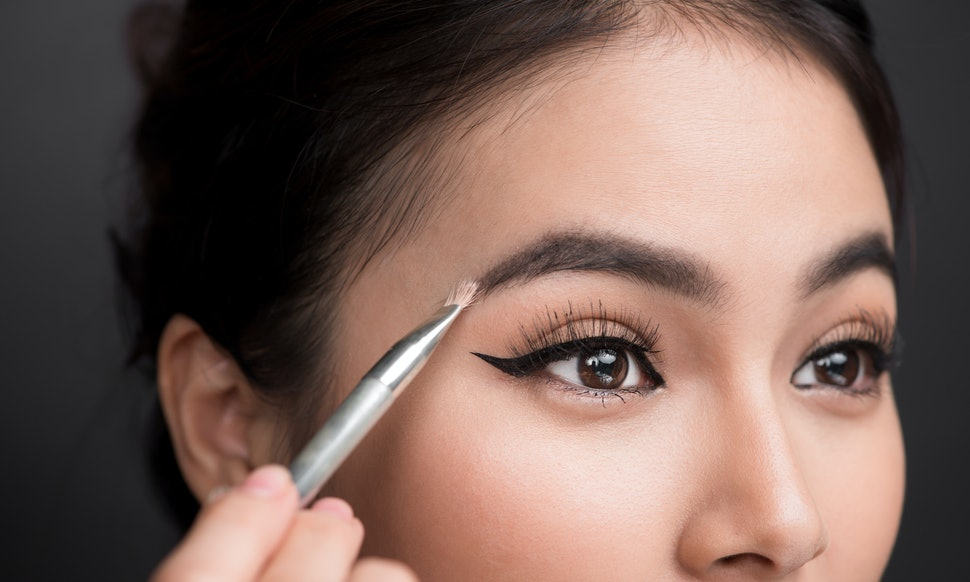 How To Grow Your Eyebrows If Theyre Thinning Out