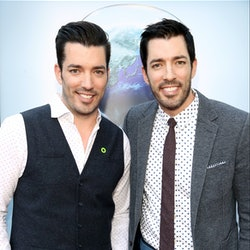 'Property Brothers' stars Drew and Jonathan Scott at a read carpet event.