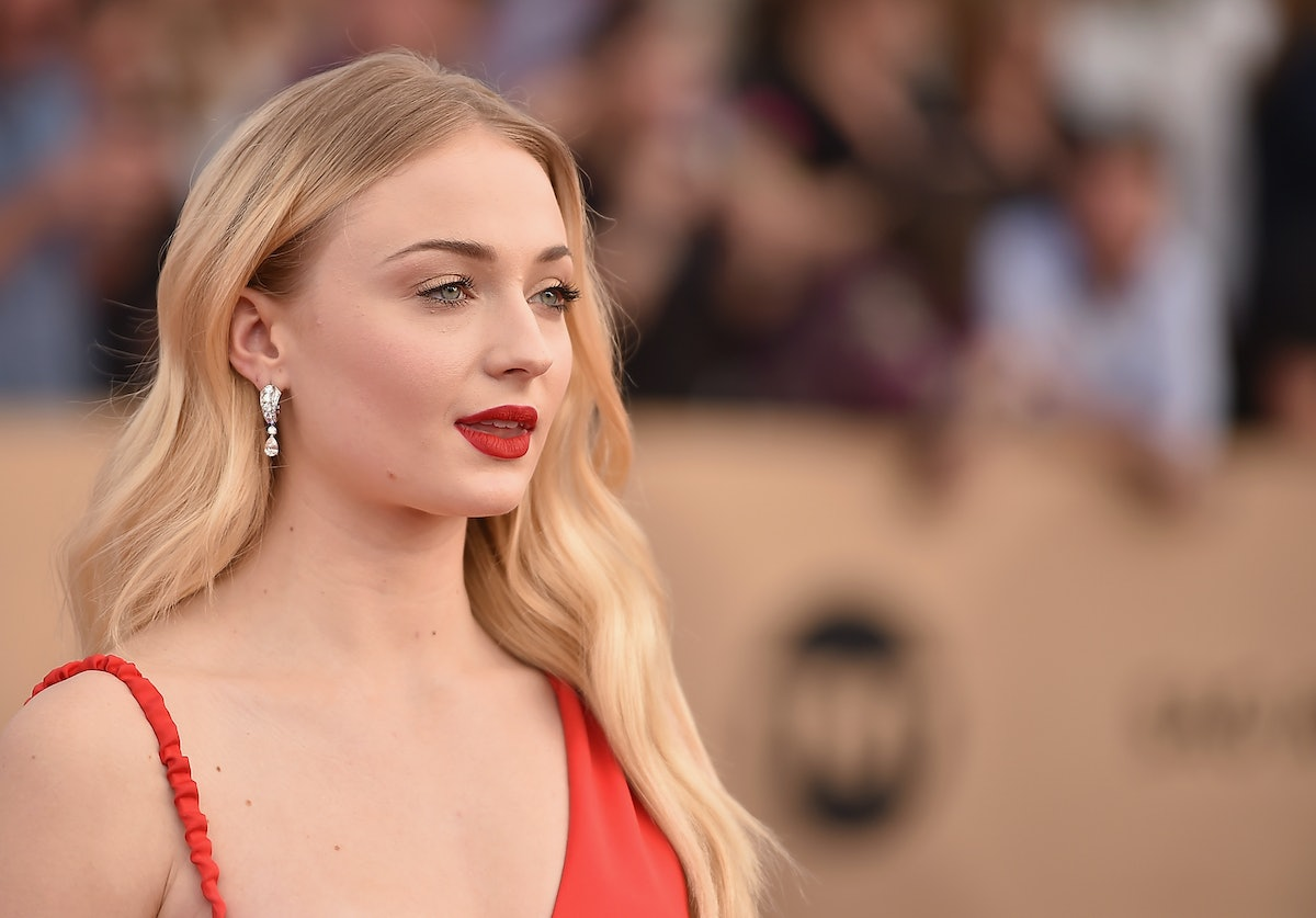 Sophie Turner's White Eyeliner Is The Key To Elevating A Classic Cat Eye