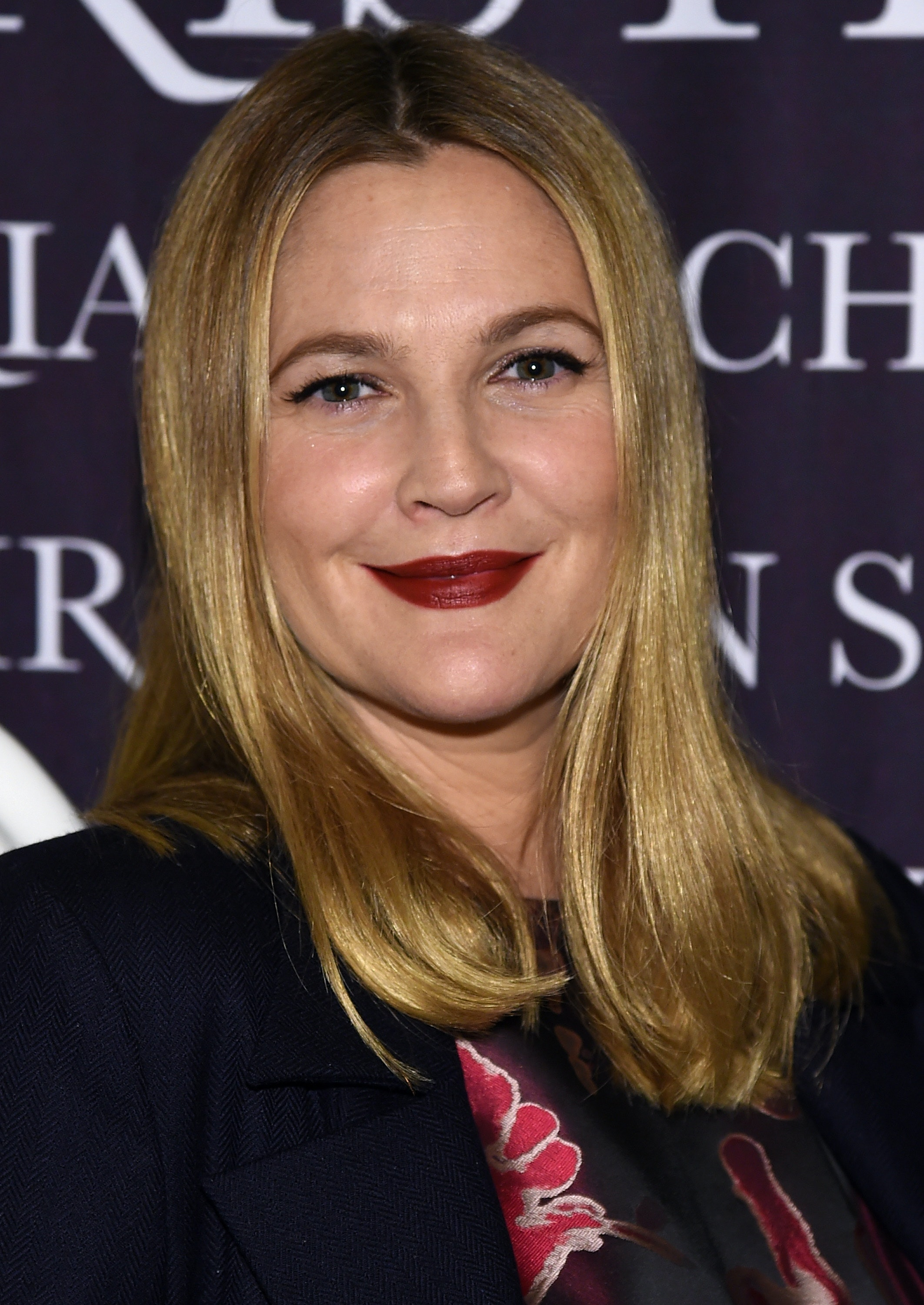 Drew Barrymore S New Short Haircut Was A Perfect Response To Cyberbullies